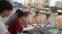 Người dân có quyền kiểm tra giấy tờ của cảnh sát giao thông hay không