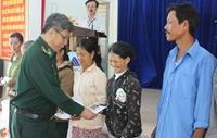 Bộ đội biên phòng Đà Nẵng tặng quà Tết cho các hộ khó khăn, gia đình chính sách