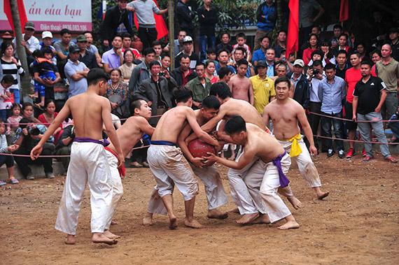Độc đáo lễ hội vật cầu Thúy Lĩnh