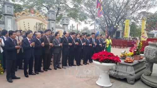 Lễ khai bút đầu Xuân Đinh Dậu tại đình thờ Tiên triết Chu Văn An