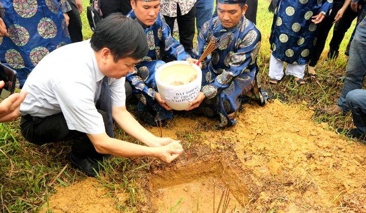 Thừa Thiên Huế Tiếp nhận đất thiêng từ Trường Sa vào Đàn Xã Tắc