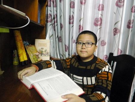 Chuyện thú vị về cậu bé 10 tuổi mê sử ở Hưng Yên