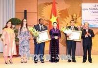 Chủ tịch Quốc hội tiếp và trao Huân chương Hữu nghị tặng lãnh đạo, nguyên lãnh đạo IPU