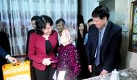 Phó Chủ tịch nước Đặng Thị Ngọc Thịnh thăm, tặng quà Tết tại tỉnh Thừa Thiên Huế 