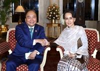 Thủ tướng Nguyễn Xuân Phúc tiếp xúc song phương bên lề Hội nghị Cấp cao Kỷ niệm ASEAN - Ấn Độ