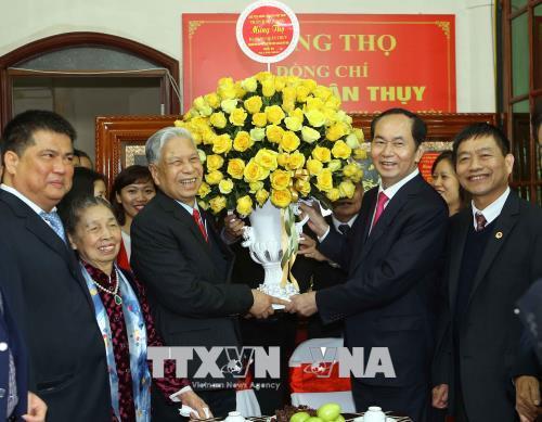 Chủ tịch nước Trần Đại Quang mừng thọ Trung tướng Đặng Quân Thụy tròn 90 tuổi