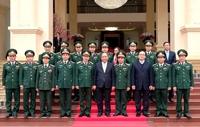 Thủ tướng thăm, kiểm tra công tác ứng trực, sẵn sàng chiến đấu tại Bộ Tư lệnh Thủ đô Hà Nội