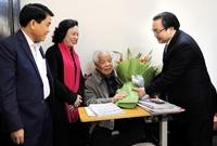Lãnh đạo thành phố Hà Nội thăm, chúc Tết nguyên Tổng Bí thư Đỗ Mười