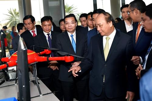 Thủ tướng Nguyễn Xuân Phúc Đẩy mạnh phát triển Khu công nghệ cao Hòa Lạc