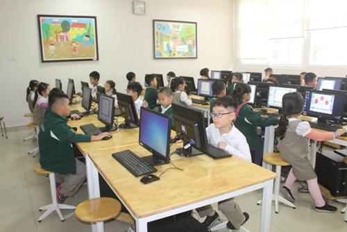Hưng Yên Sớm làm rõ nguyên nhân nhiều học sinh Trường Đoàn Thị Điểm Ecopark nghỉ học bất thường