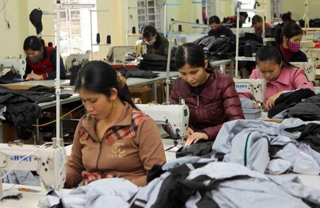 Ổn định kinh tế vĩ mô, tạo môi trường kinh doanh thuận lợi