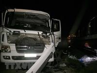 Nghệ An Xe bồn chở gas va chạm với tàu hỏa làm 4 người bị thương