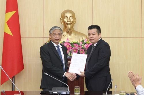 Công bố quyết định của Bộ trưởng Bộ LĐ-TB XH về công tác cán bộ
