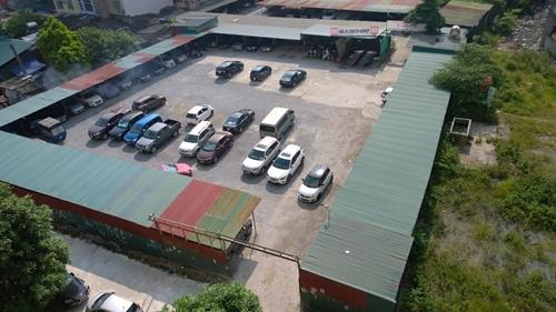 Quận Cầu Giấy Hà Nội  Hàng loạt bãi xe không phép ngang nhiên hoạt động trên đất dự án