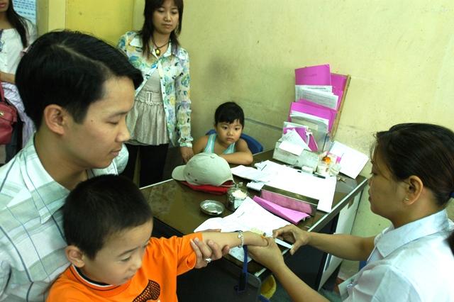 Hà Nội Đảm bảo trên 95 trẻ từ 1-5 tuổi được tiêm bổ sung vắc xin sởi - rubella