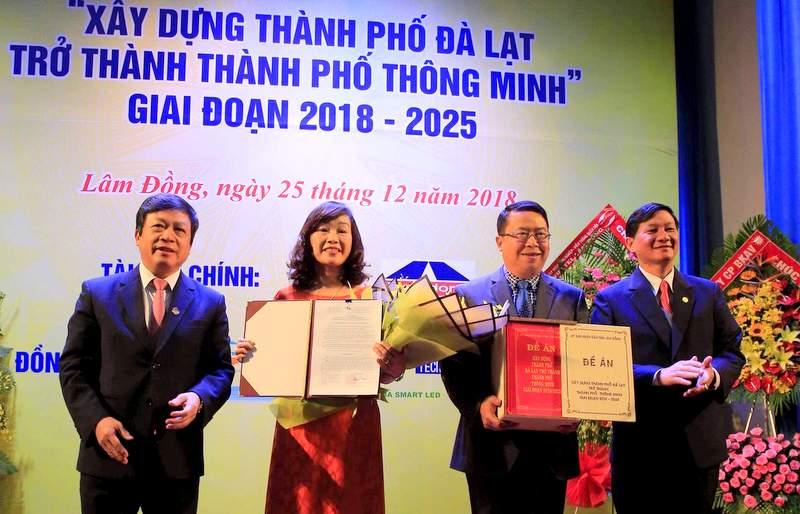 """Công bố Đề án """"Xây dựng thành phố Đà Lạt trở thành thành phố thông minh"""""""