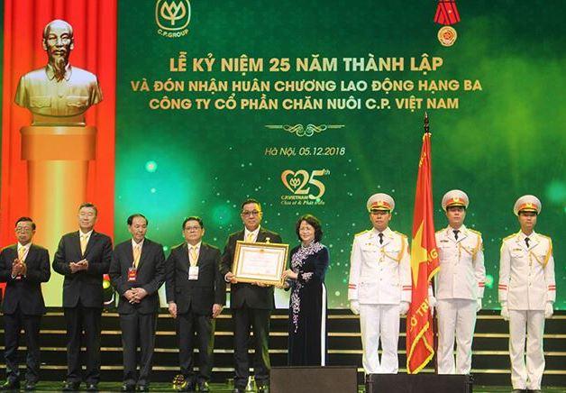 Công ty Cổ phần Chăn nuôi C P Việt Nam có gần 400 000 đối tác là nông dân sau 25 năm