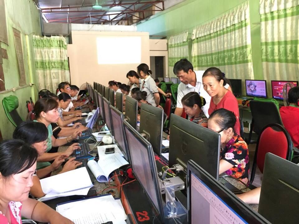 Nâng cao năng lực sử dụng máy tính, điện thoại thông minh và internet cho cán bộ, hội viên Hội Nông dân