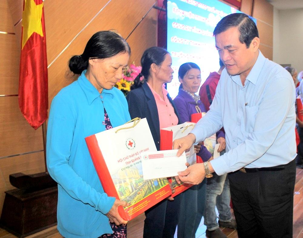 """Quảng Nam Hơn 260 triệu đồng ủng hộ """"Tết vì người nghèo và nạn nhân chất độc da cam"""""""