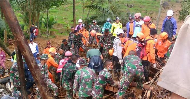 Số người thiệt mạng do lở đất tại Indonesia, Philippines tăng mạnh