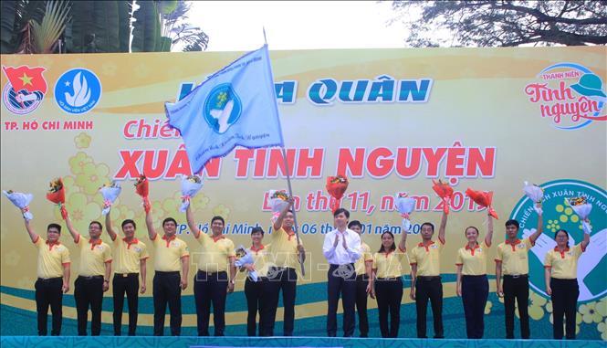 Hơn 30 000 đoàn viên, thanh niên hành động vì Tết văn minh
