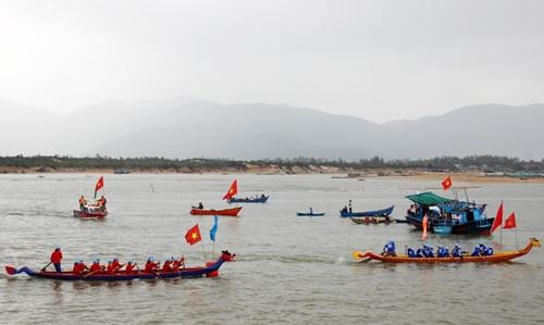 Phú Yên Tưng bừng Lễ hội truyền thống sông nước Đà Nông