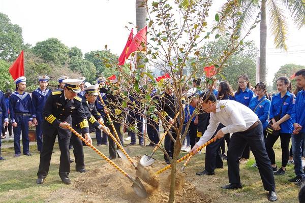 Tết trồng cây xuân Kỷ Hợi 2019 của người lính Hải quân