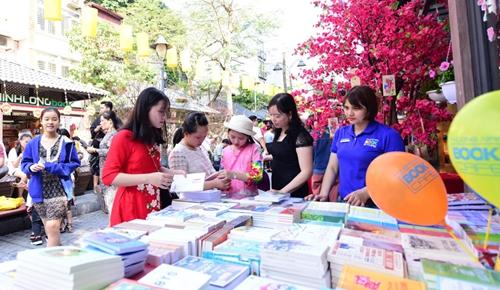 Hơn 500 nghìn lượt khách du lịch đến Hà Nội dịp Tết