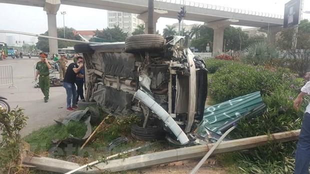 Hà Nội xác định danh tính lái xe gây tai nạn liên hoàn tại gầm cầu vượt Mai Dịch