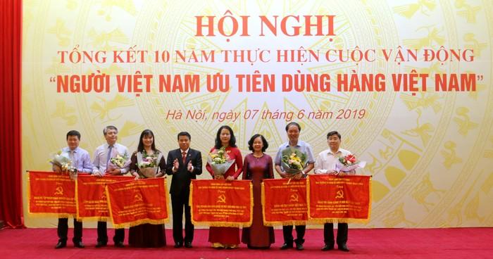 """Thực hiện tốt Cuộc vận động """"Người Việt Nam ưu tiên dùng hàng Việt Nam"""""""