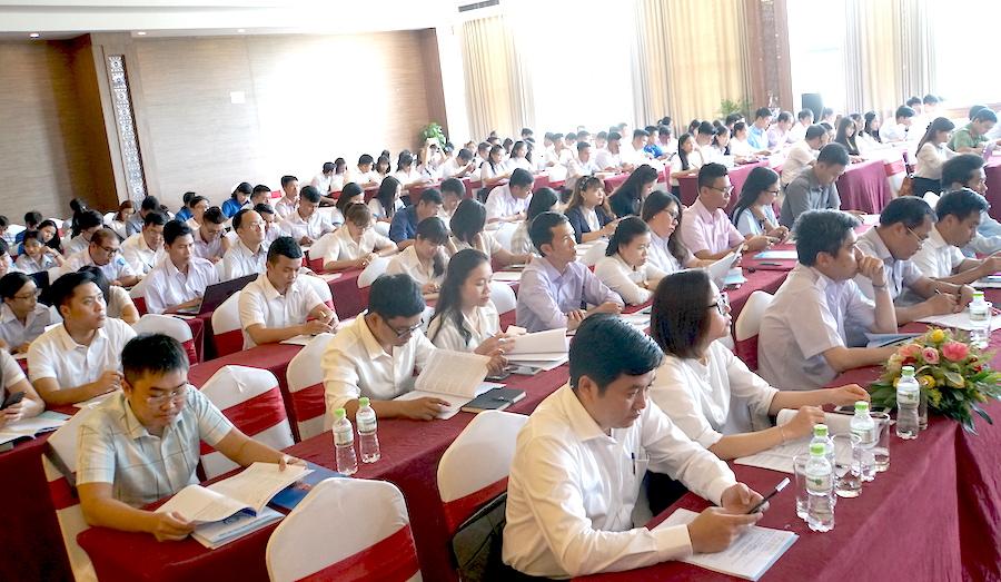 Tiếp tục thu hút đông đảo sinh viên tham gia các phong trào