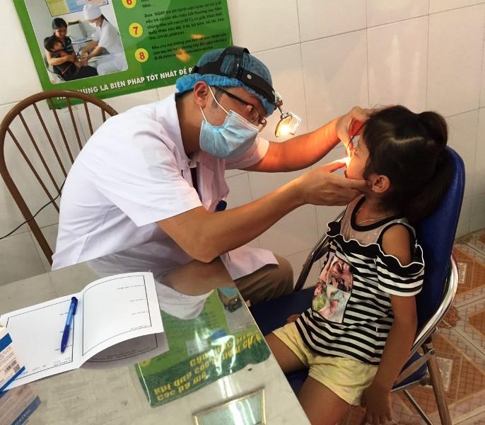 1 400 người dân tộc thiểu số có hoàn cảnh khó khăn được khám bệnh, phát thuốc miễn phí