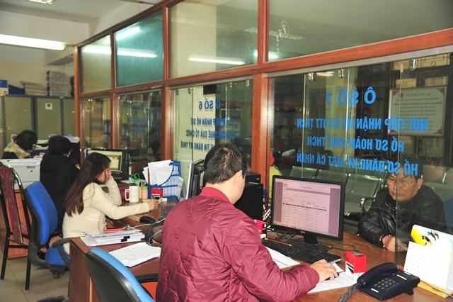 Hà Nội bêu tên hơn 1 000 đơn vị nợ thuế, phí