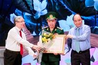Hồ Chí Minh - Hành trình khát vọng tôn vinh những điển hình trong học tập và làm theo Bác