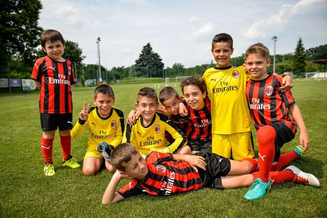 Học viện đào tạo bóng đá AC Milan Hà Nội tuyển sinh từ tháng 8 2019