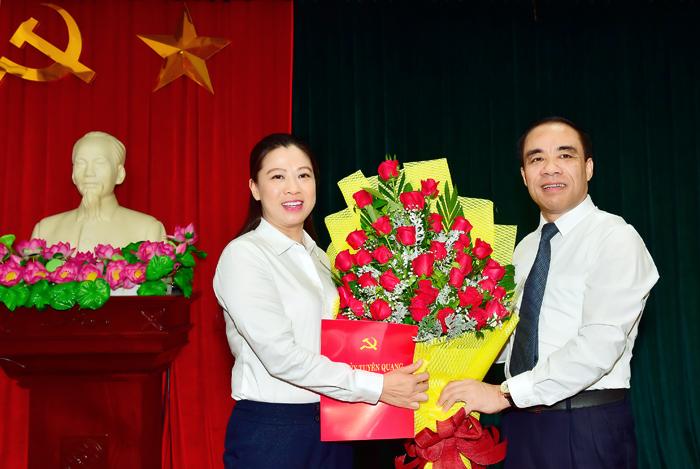 Công bố quyết định của Ban Bí thư Trung ương Đảng chuẩn y nhân sự mới
