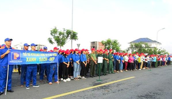 """Đà Nẵng Hơn 2000 người tham gia chiến dịch """"Làm cho thế giới sạch hơn"""""""