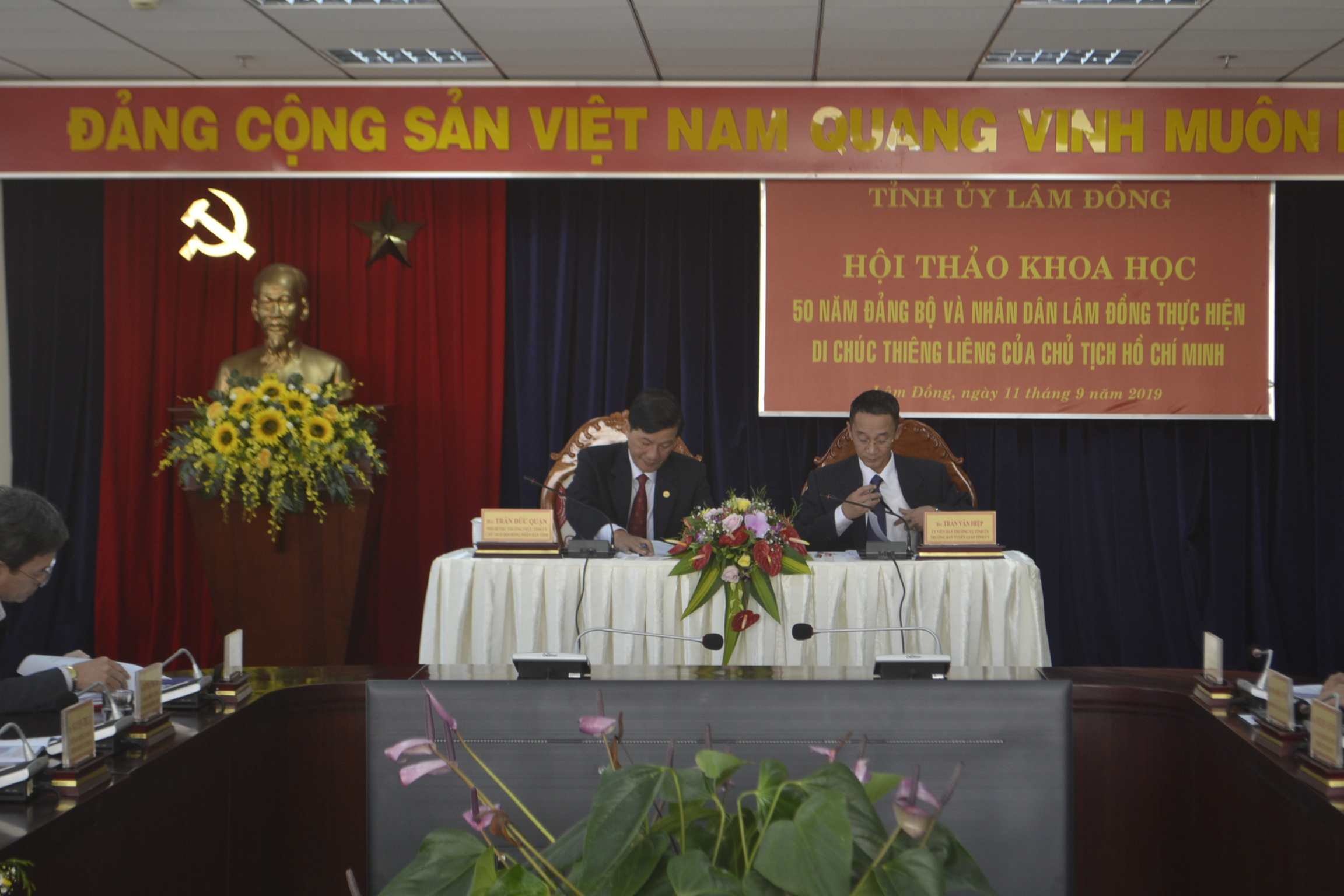 50 năm Đảng bộ và nhân dân Lâm Đồng làm theo lời Bác