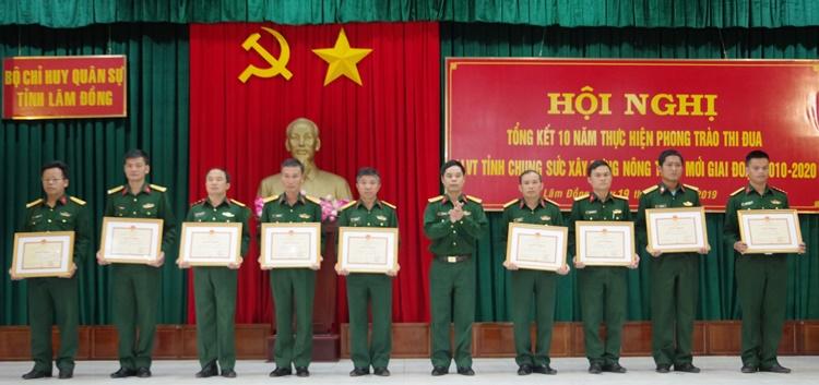 Lâm Đồng Lực lượng vũ trang chung sức xây dựng nông thôn mới