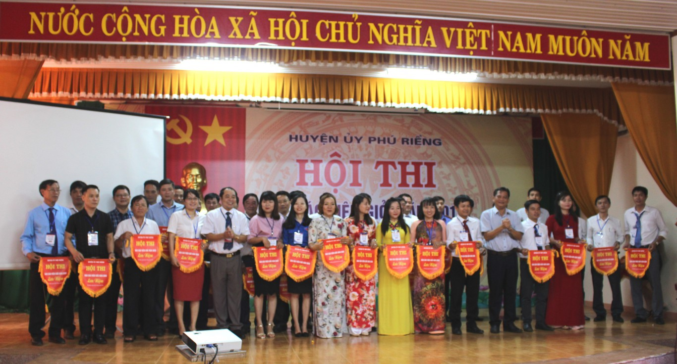 Huyện ủy Phú Riềng tổ chức Hội thi báo cáo viên giỏi năm 2019