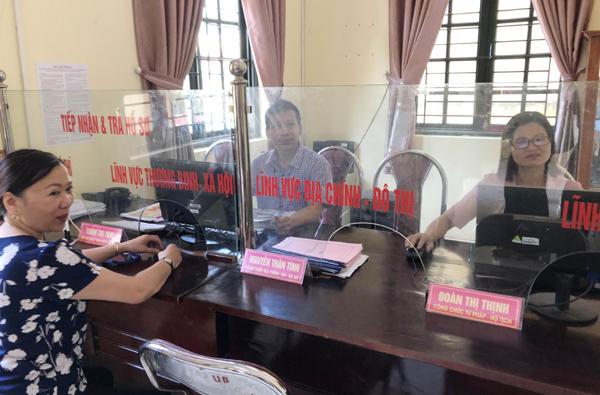 Hà Nội hưởng ứng Cuộc vận động công chức, viên chức nói không với tiêu cực
