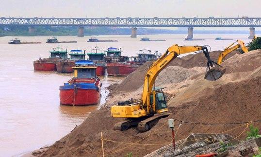 Hà Nội xử lý người đứng đầu địa phương để khai thác khoáng sản trái phép