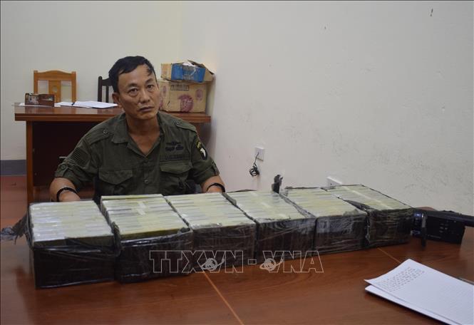 Lạng Sơn Bắt giữ đối tượng vận chuyển trái phép 60 bánh heroin
