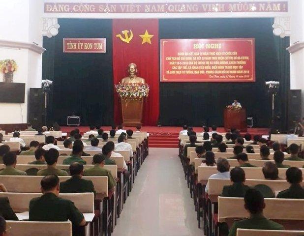 Kon Tum khen thưởng tập thể, cá nhân học và làm theo Bác