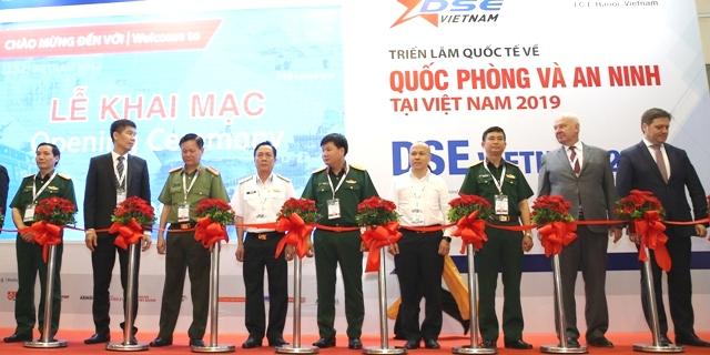 Lan tỏa hình ảnh và vị thế của quốc phòng, an ninh Việt Nam với cộng đồng quốc tế