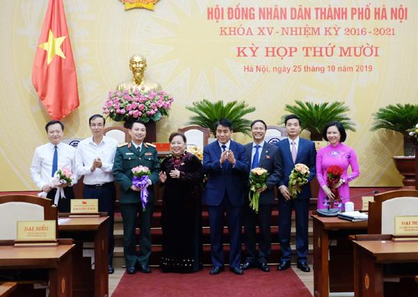 Miễn nhiệm nhiều chức danh Ủy viên UBND TP Hà Nội