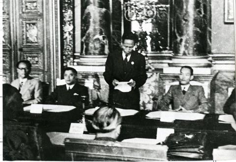Cuộc đàm phán chính thức giữa Chính phủ Việt Nam Dân chủ Cộng hoà và Chính phủ Cộng hoà Pháp ở Phôngtennơblô