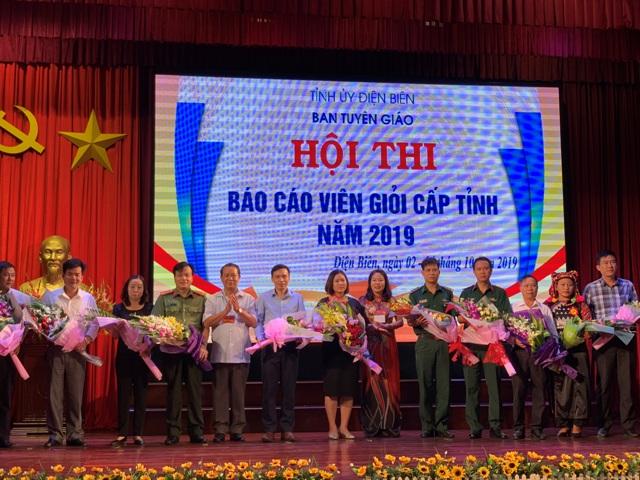 Quảng Trị 350 người dân di cư tự do được trao quốc tịch Việt Nam