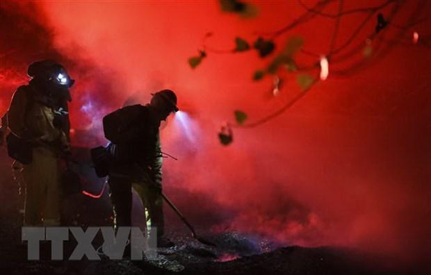 Mỹ Cháy rừng tại California buộc 180 000 người phải sơ tán