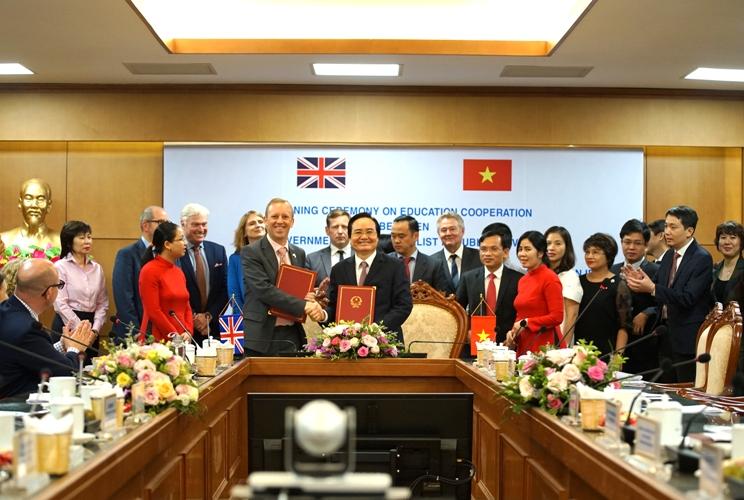 Đẩy mạnh hợp tác giáo dục giữa Việt Nam và Vương quốc Anh 🎥